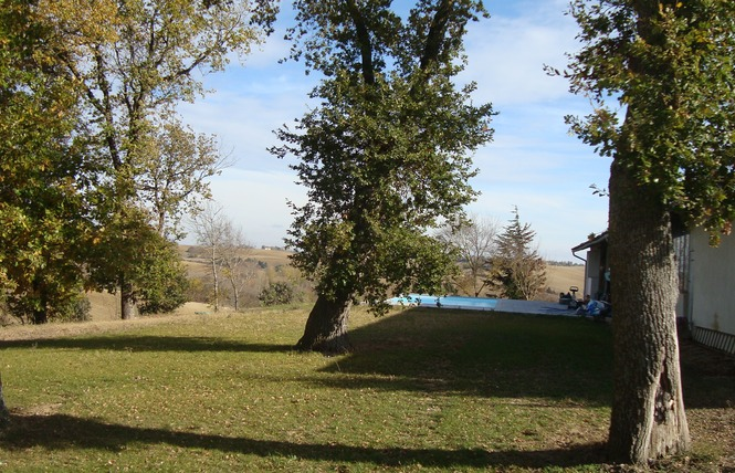 AIRE DE STATIONNEMENT CAMPING-CARS D'EMBERBAIL 5 - Nailloux